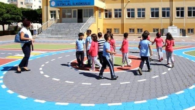 Milli Eğitim Bakanı Ziya Selçuk : Okullar gerekli hazırlıklar yapılarak açılacak dedi